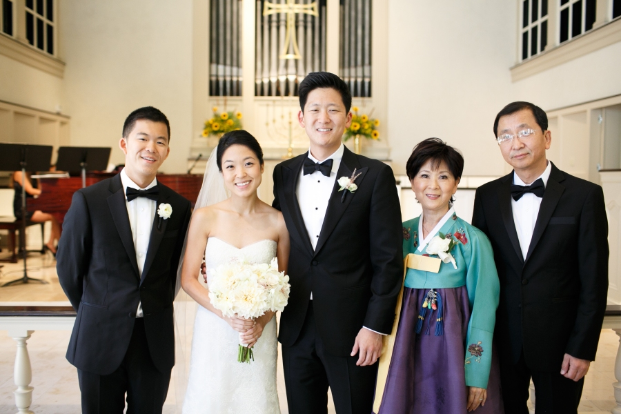 3 steps to take the STRESS out of Family Photos for weddings by Alea Lovely